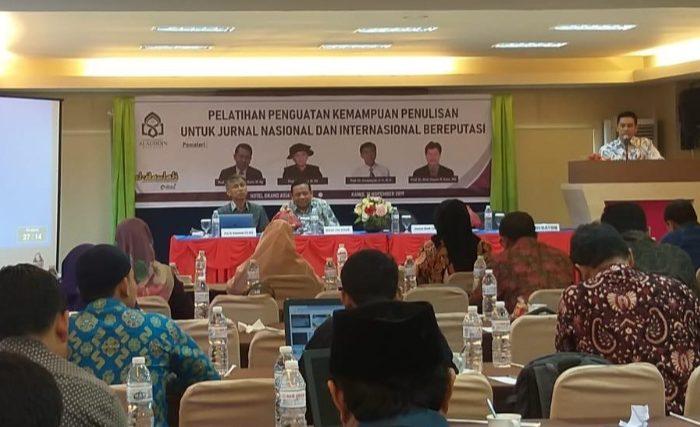 Gambar Al-Daulah Latih Dosen UIN Alauddin Tingkatkan Kualitas Penulisan Jurnal