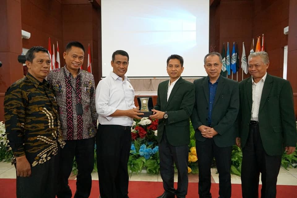 Gambar Menteri Pertanian Perkenalkan Teknologi Baru Bertani ke Mahasiswa UIN Alauddin