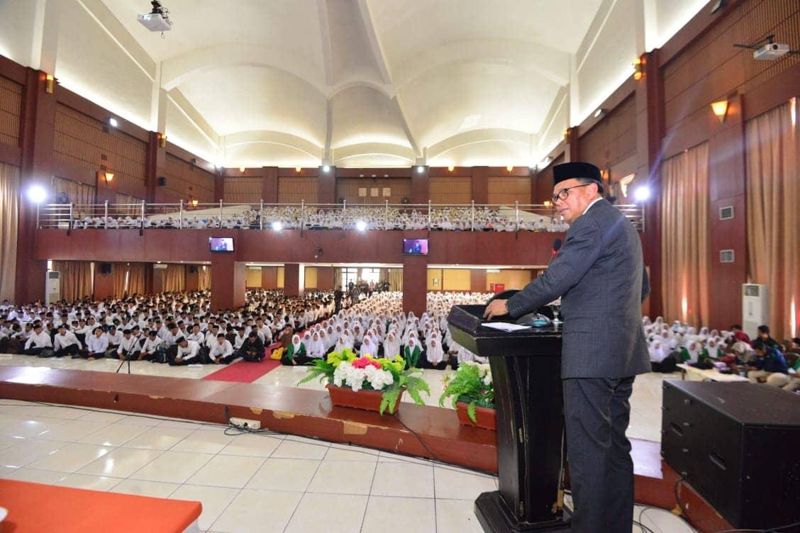 Gambar Gubernur Selaku Dewan Kurator Sambut Maba UIN Alauddin