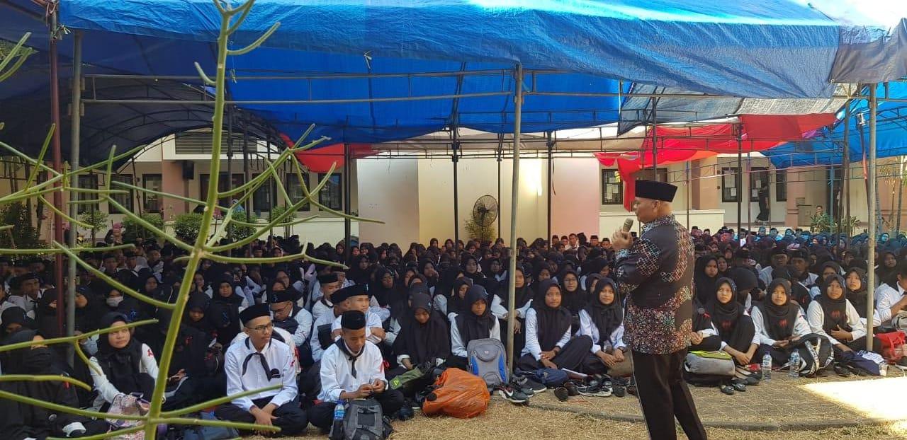 Gambar Bupati Enrekang Berbagi Inspirasi dengan Ratusan Mahasiswa Saintek UIN Alauddin