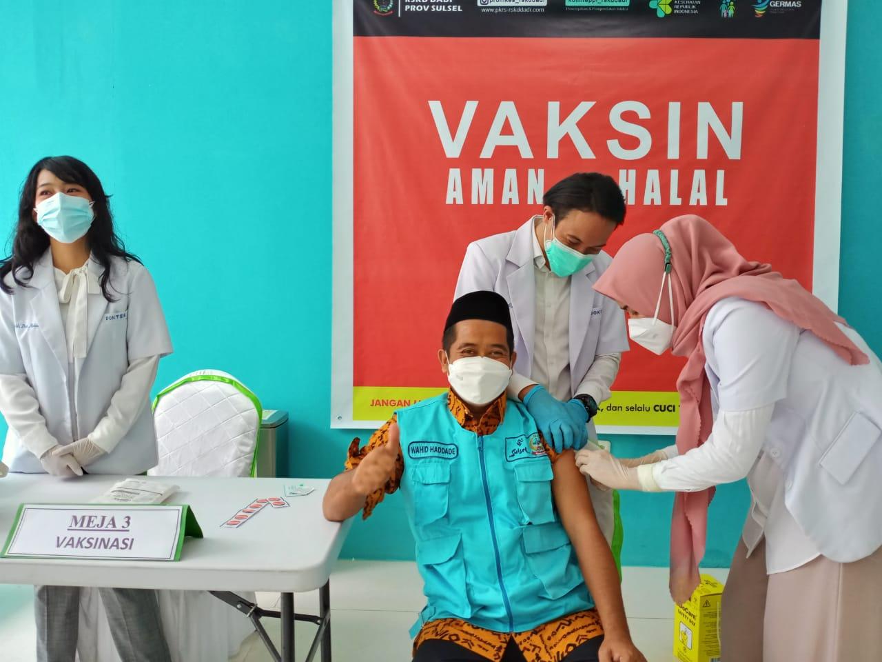 Abdul Wahid Haddade, Dosen UIN Alauddin Pertama Suntik Vaksin Sinovac