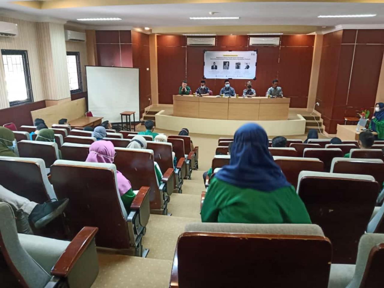 Gambar Bersama Pimpinan Fakultas, DEMA FTK UIN Alauddin Gelar Halal Bi Halal