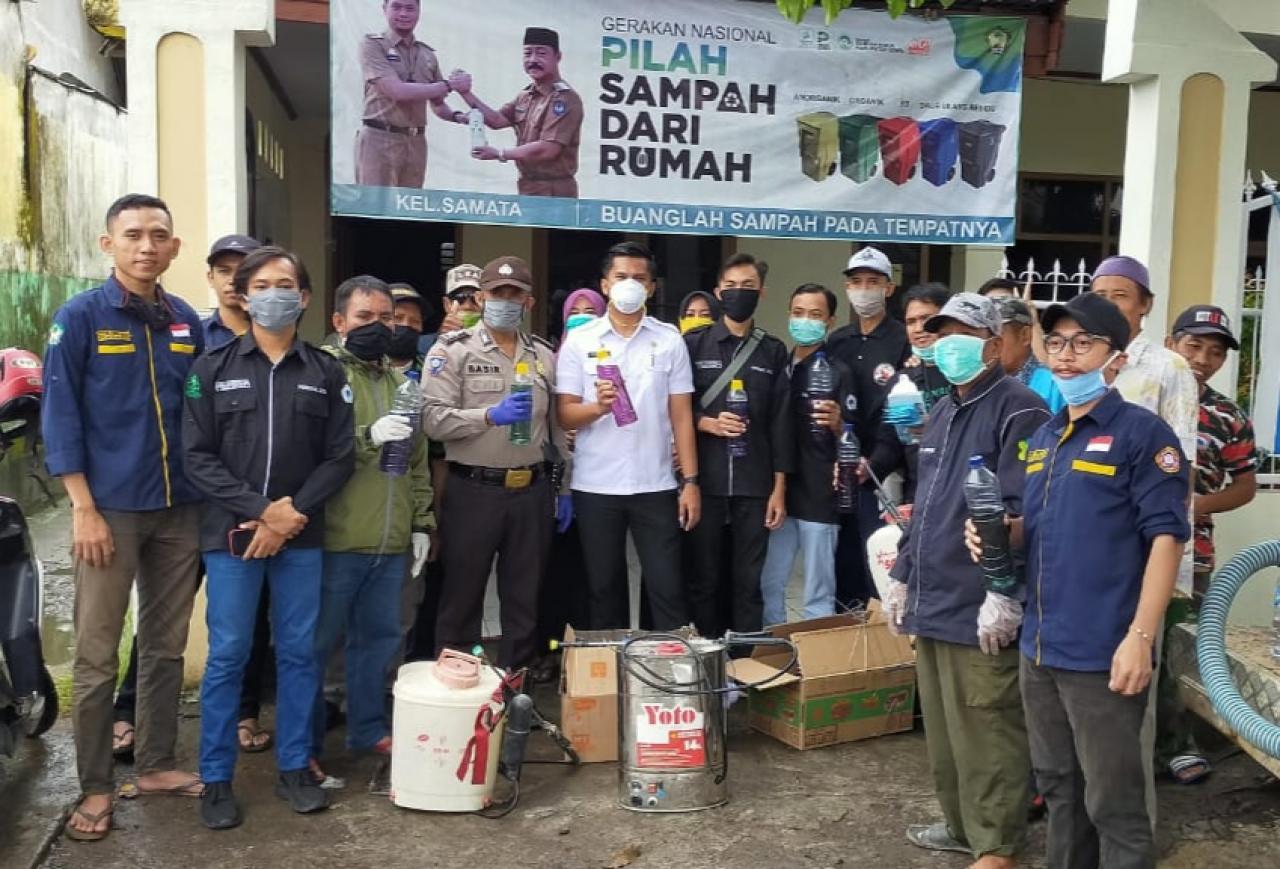 HMJ Kimia UIN Alauddin Semprotkan Disinfektan Hasil Buatan Sendiri