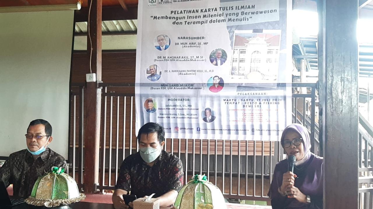 Gambar Jurusan Ilmu Komunikasi FDK UIN Alauddin Gelar Pelatihan Karya Tulis Ilmiah