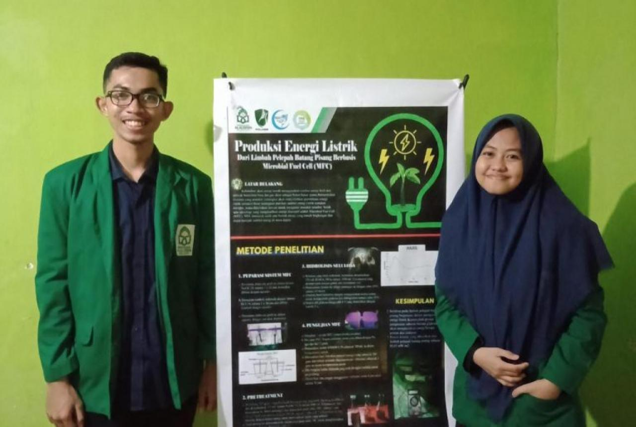 Gambar Mahasiswa Kimia UIN Alauddin Raih Best Poster di event LKTIN Politeknik Negeri Samarinda