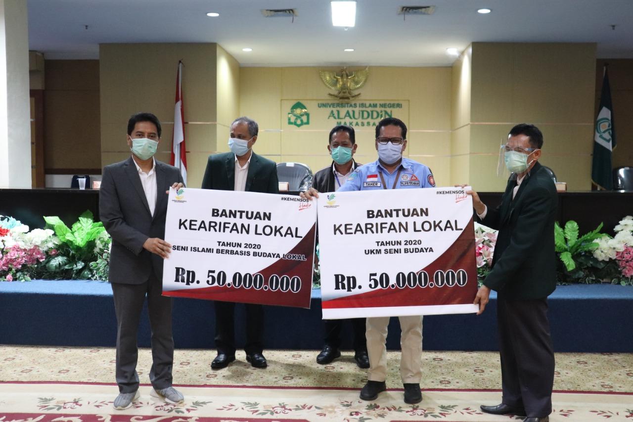 UKM UIN Alauddin Terima Bantuan Penguatan Kearifan Lokal dari Kemensos RI