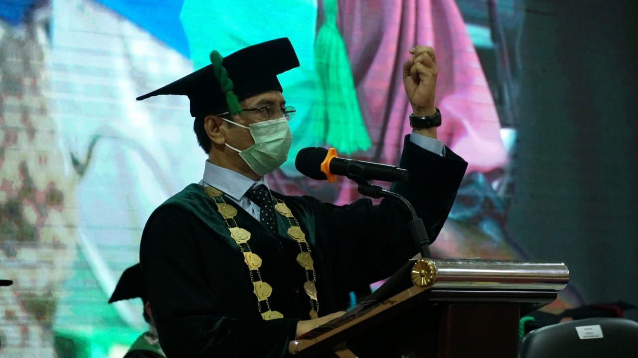 Gambar Wisuda Angkatan 88, Pesan Pamungkas Rektor UIN Alauddin Jangan Gadaikan Kejujuran dan Integritas
